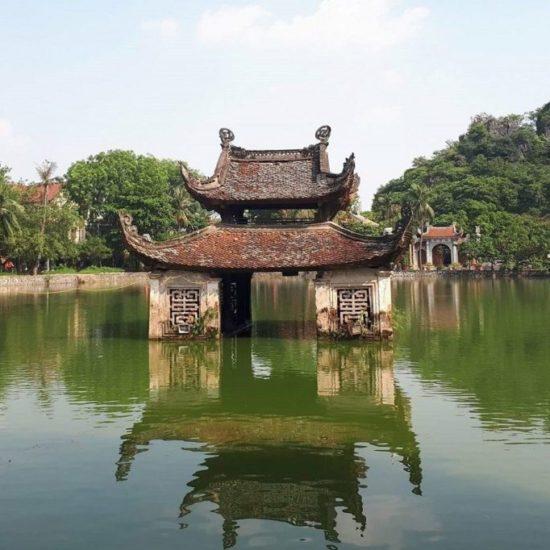 Pagode Chua Tay, dans les environs d'Hanoi, Vietnam