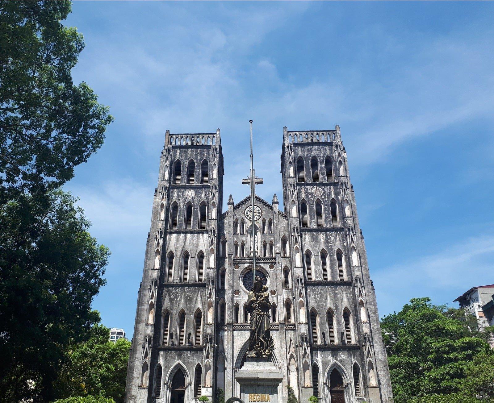 La cathédrale Saint Joseph dans le centre d'Hanoi, Vietnam