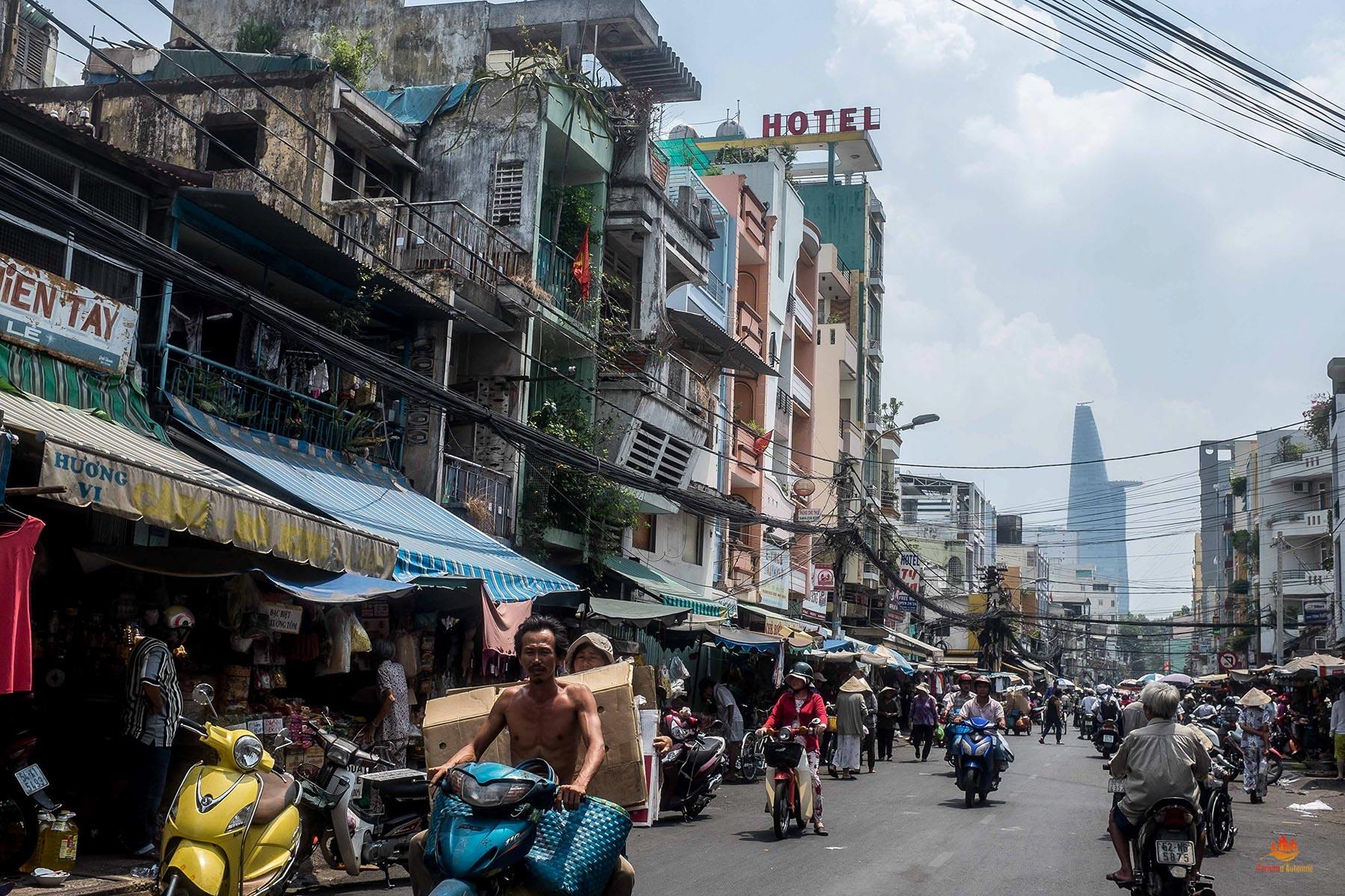 Vue de Bui Vien, Saigon, Vietnam