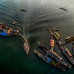 Bateaux naviguant dans le Delta du Mékong, Vietnam
