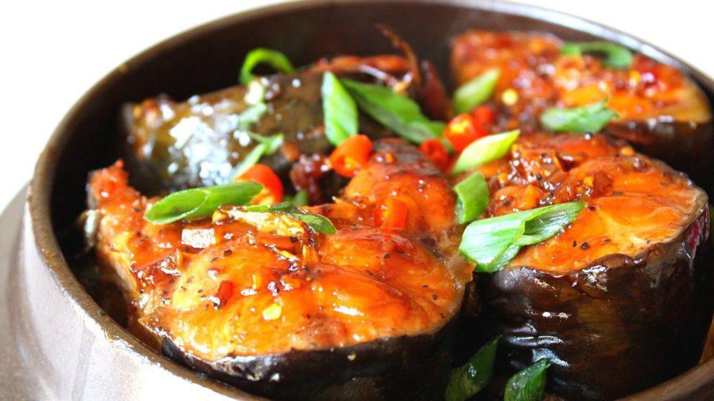 Cá kho, poisson en sauce, spécialité du Nord Vietnam