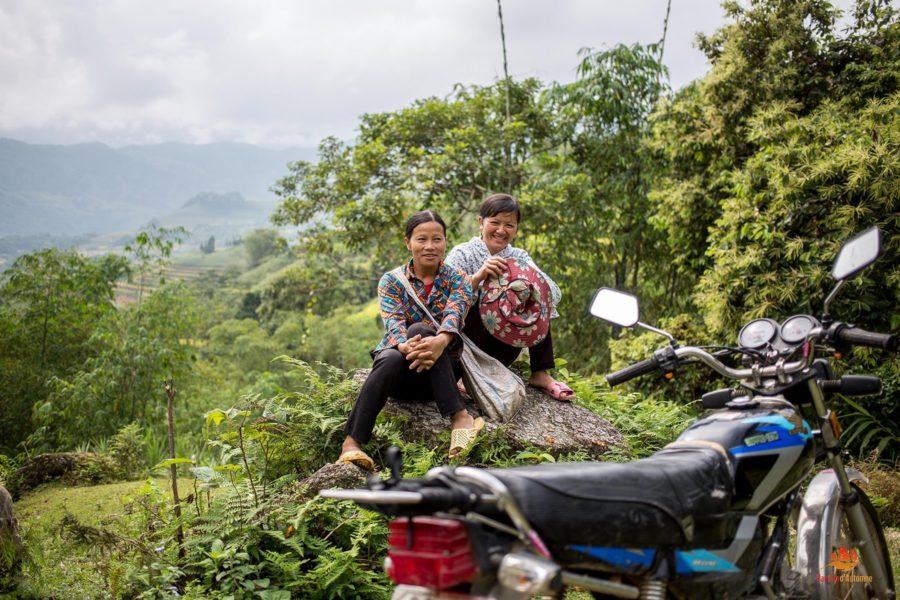 Pose sur les chemins de Hoang Su Phi, Province de Ha Giang, Vietnam