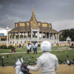 Vue extérieure du Palais Royal de Phnom Penh, avant l'orage