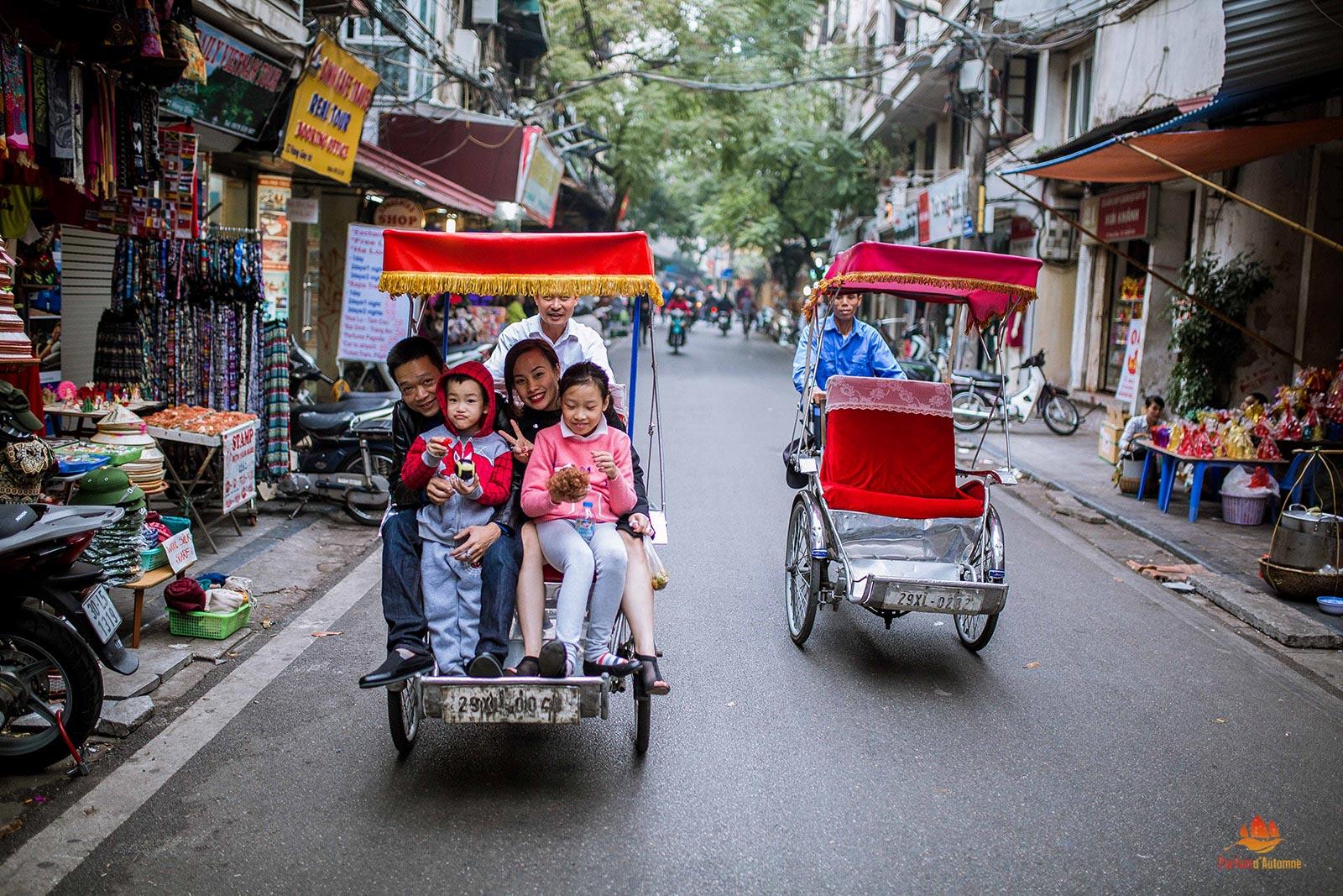 Découvrir le quartier des 36 rues et corporations en cyclo-pousse, Hanoi, Vietnam