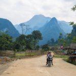 Montagnes dans le Parc National de Xuan Son, Vietnam