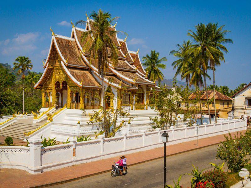 Vue extérieure d'un des beaux temples de Luang Prabang