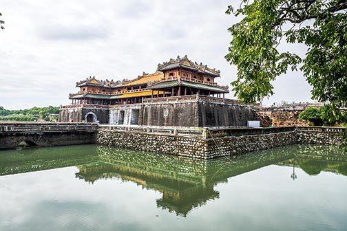 La Cité Impériale de Hue vue des douves, Vietnam