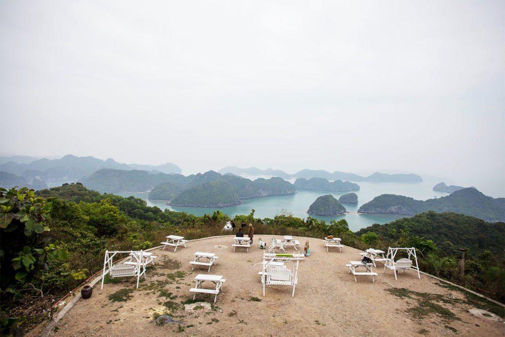 Vue de la Baie de Lan Ha depuis le fort Cannon, Ile de Cat Ba, Vietnam