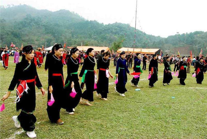 Femmes Tay en tenue traditionnelle, Nord Vietnam