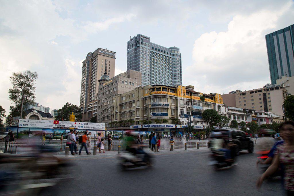 Les alentours de la rue Nguyen Hue à Ho Chi Minh Ville, Vietnam