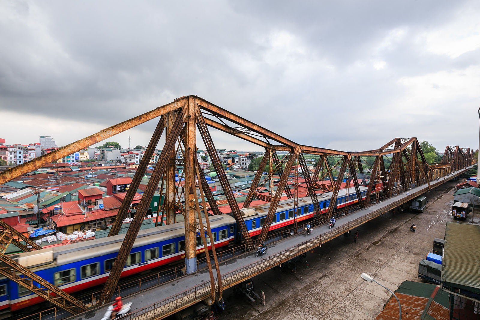 Le pont Long Bien à Hanoi, Vietnam
