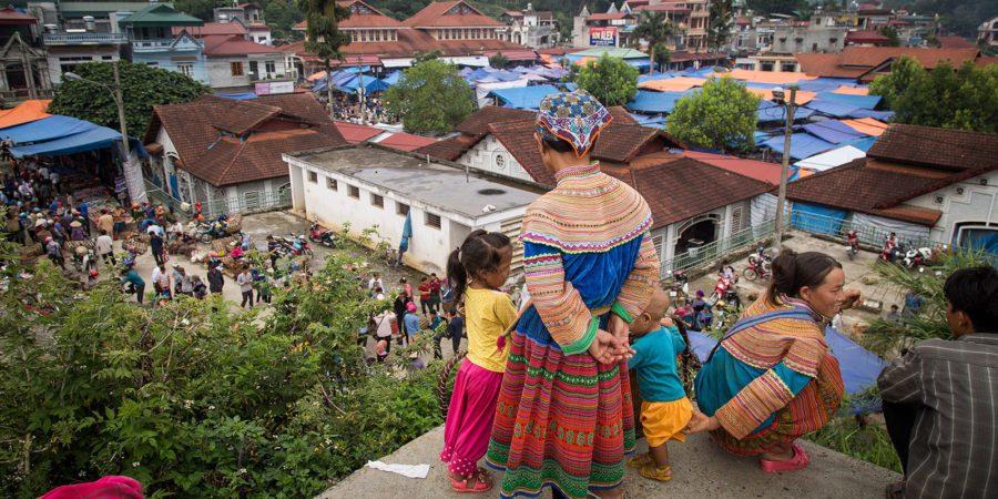 Femmes Hmong au marché de Bac Ha, Vietnam