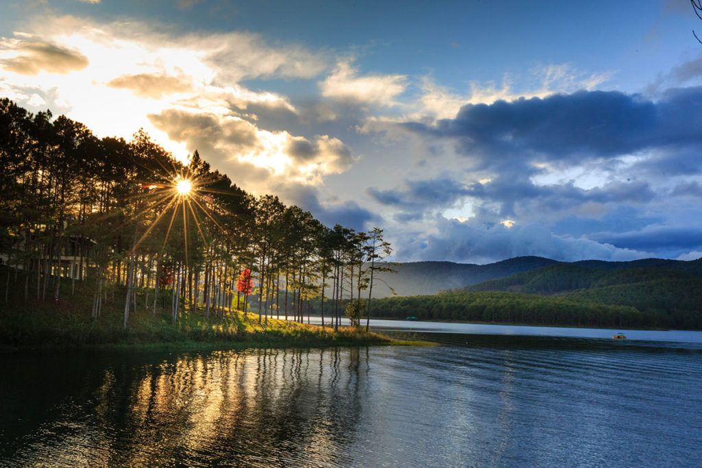 Paysages du lac Tuyền Lâm à Dalat, Vietnam