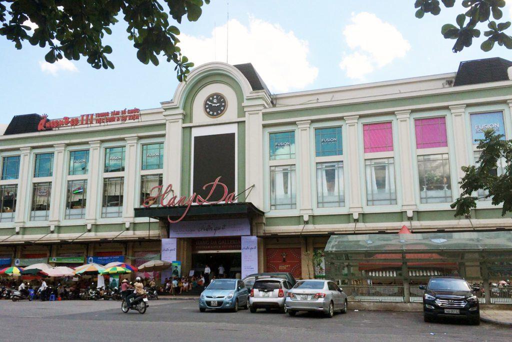 Devanture du marché de Hang Da, Hanoi, Vietnam