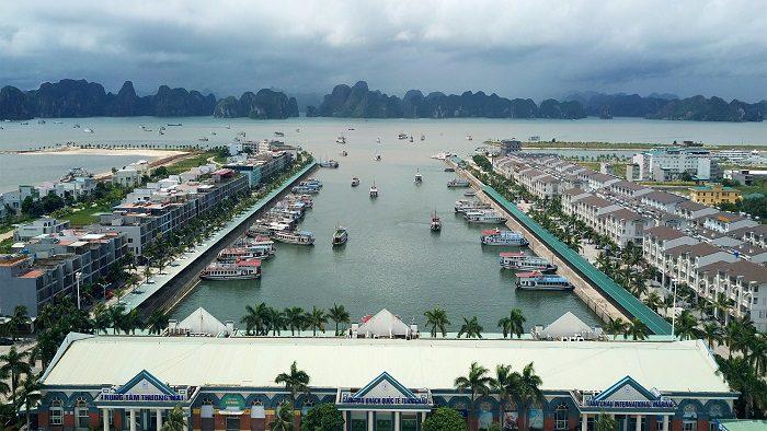Le port de Tuan Chau vue du ciel, Vietnam