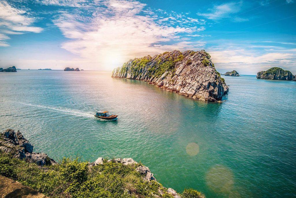 Paysages spectaculaires de l'ile de Cat Ba, Vietnam