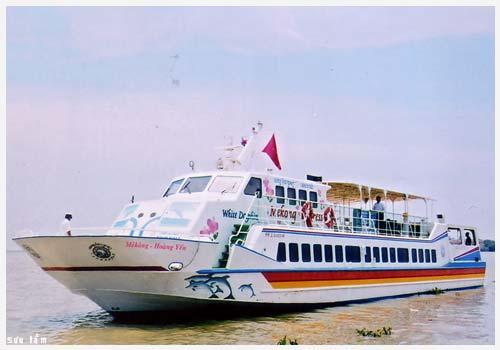 Vedette de la compagnie Mekong Hoang Yen à Haiphong, Vietnam