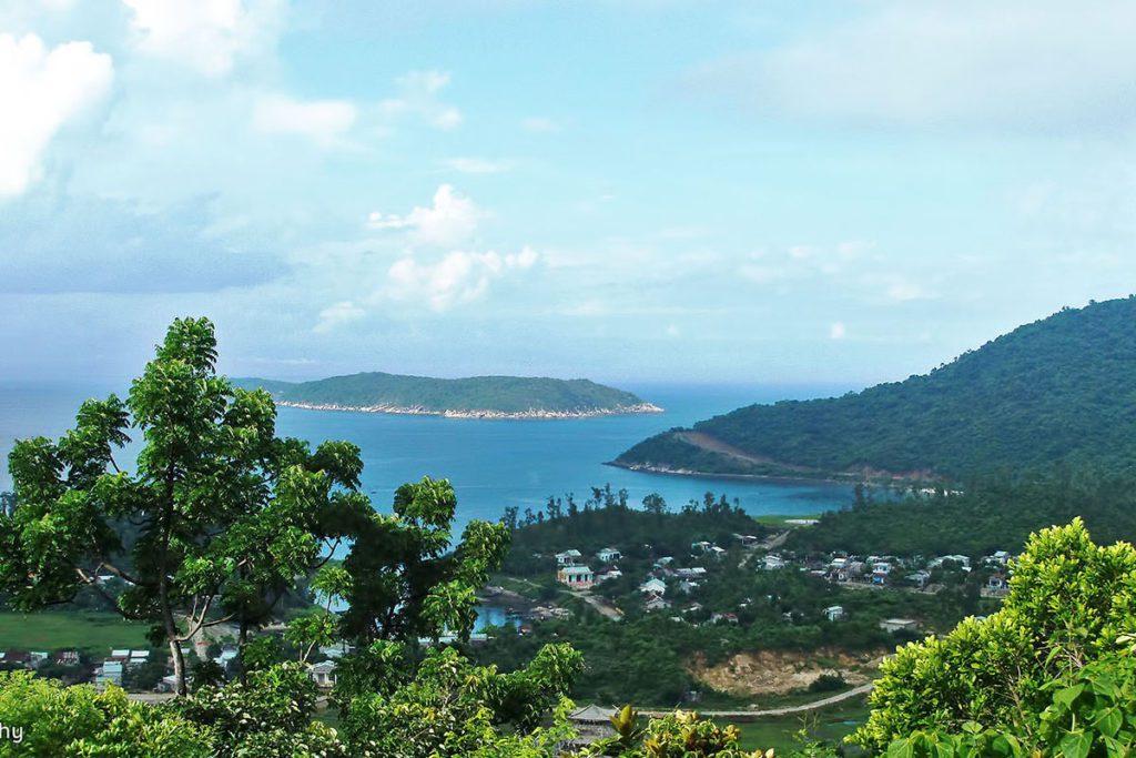 Vue sur la baie depuis l'ile Cham, Vietnam