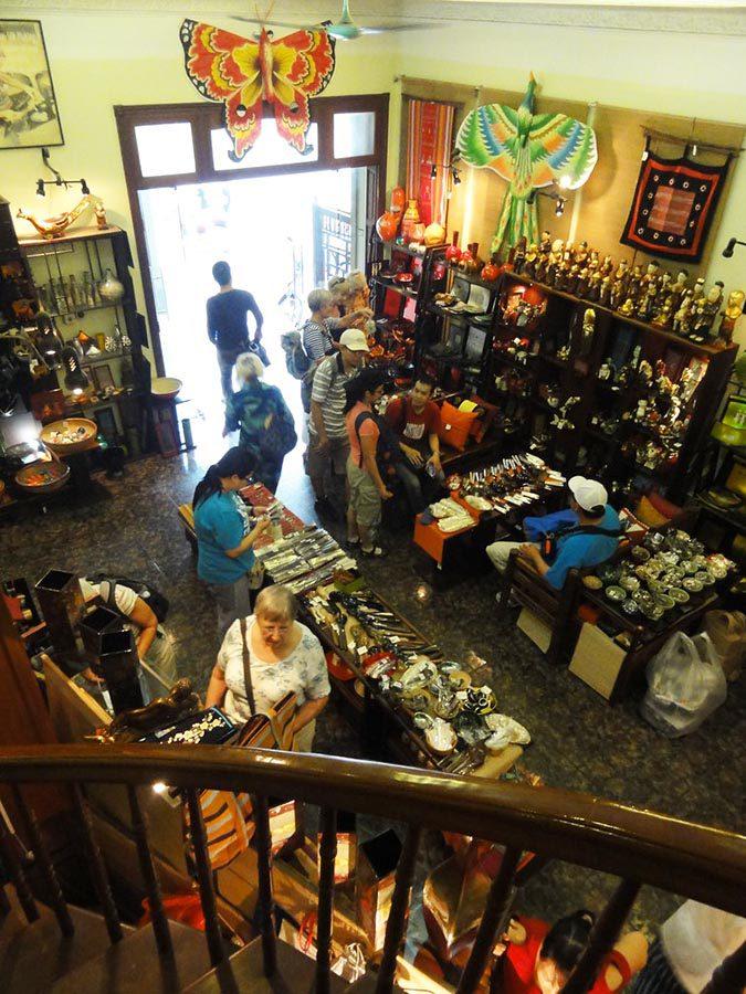 Intérieur du magasin Craft Link de Hanoi