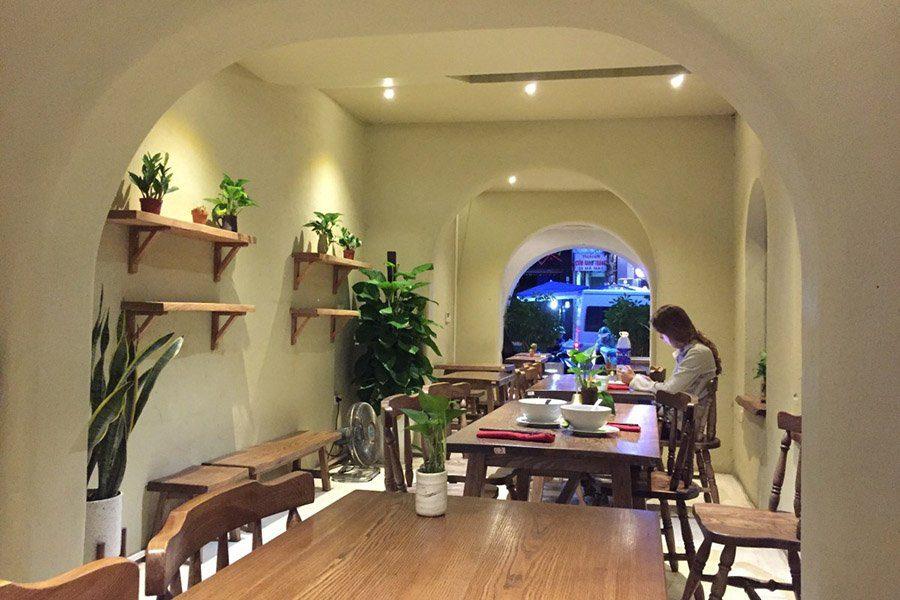 Intérieur du restaurant Minh Chay du vieux quartier de Hanoi
