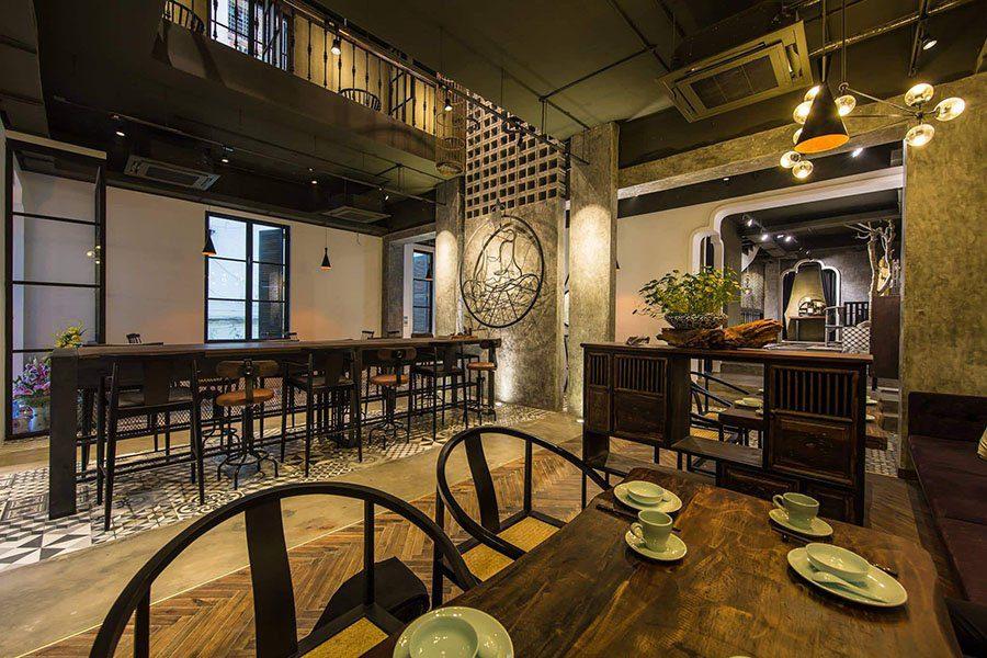 Une des salles du restaurant Uu Dam Chay à Hanoi