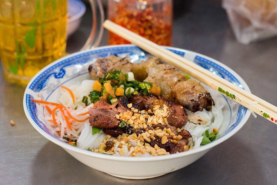 Bun Thi Nuong, plat de Saigon, Vietnam
