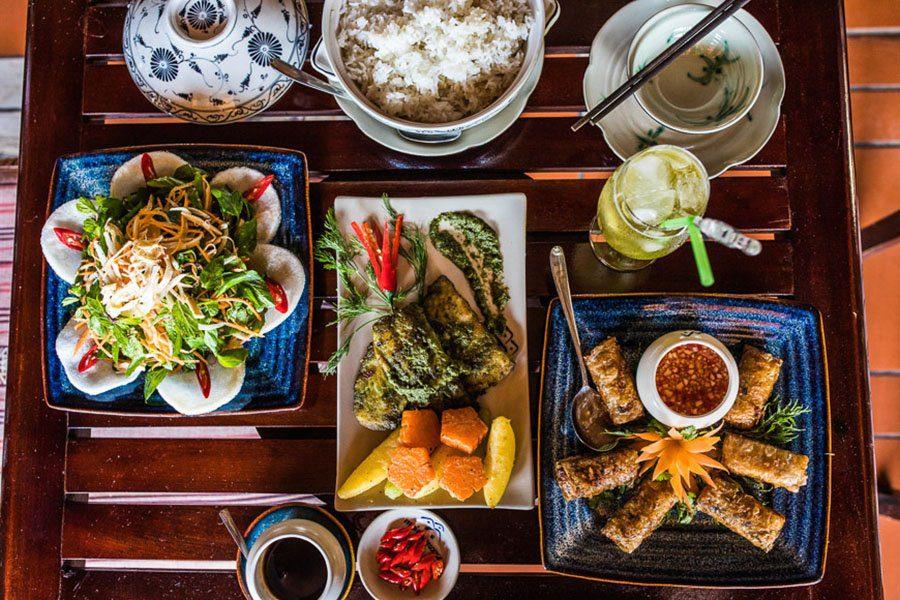 Repas végétarien Vietnam