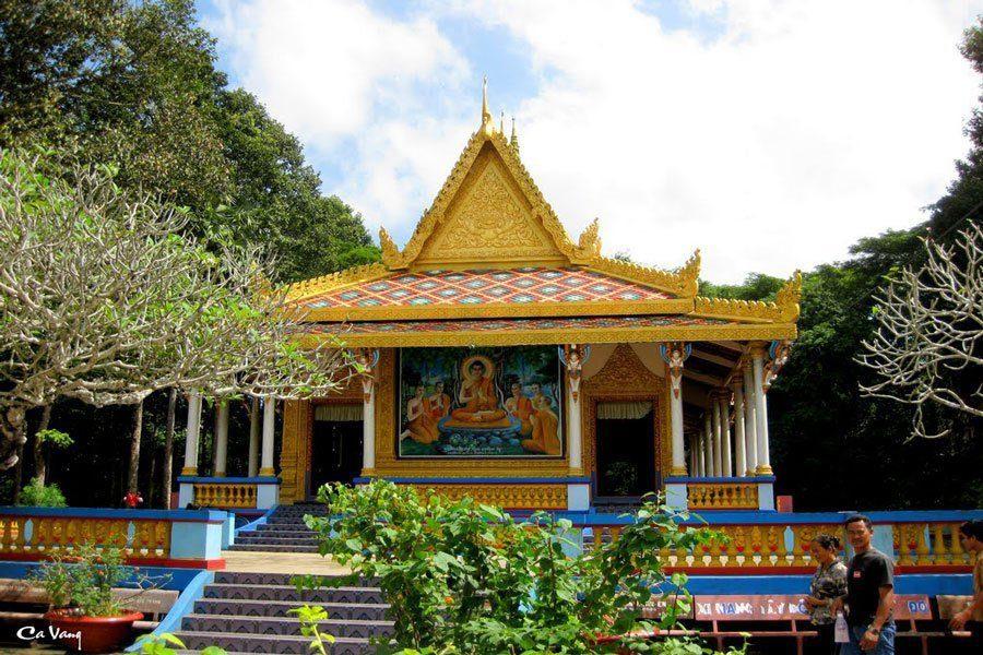 """la pagode Doi (""""chauve-souris"""")"""