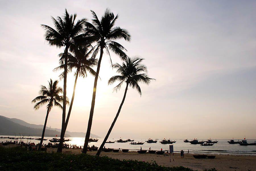 Plage de Danang au coucher de soleil