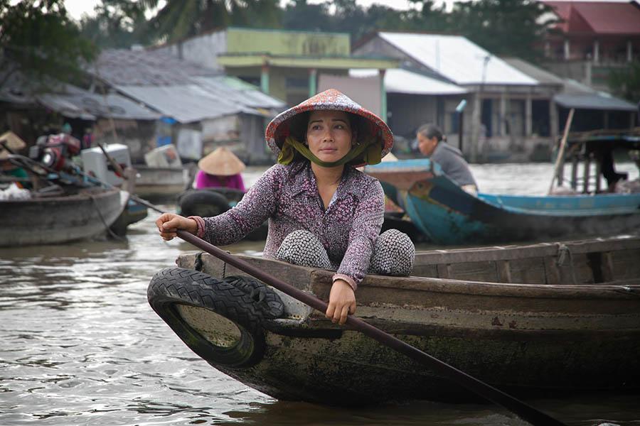 Femme au marché de Long Xuyen, Vietnam