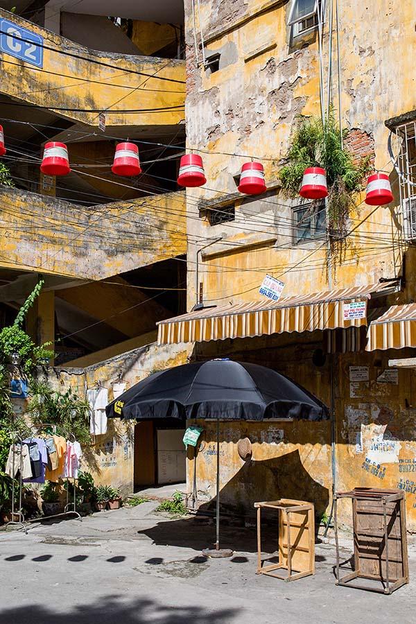 Vue extérieure d'un immeuble de Khu Tap Thê, Hanoi